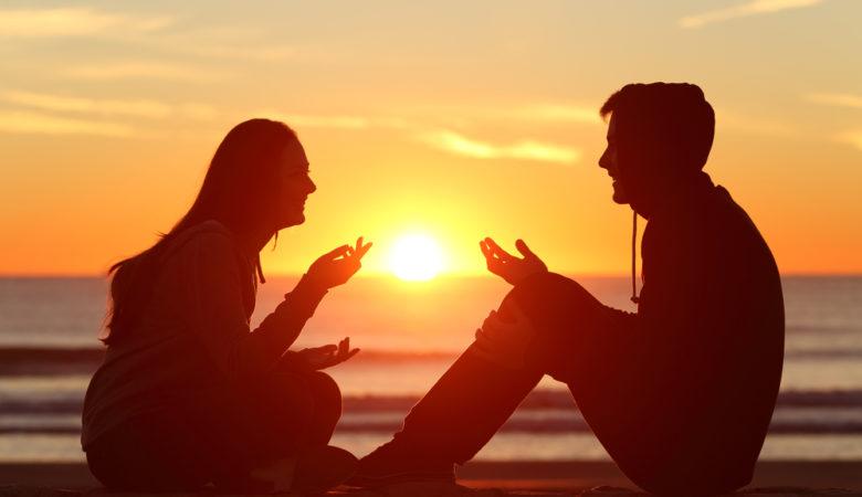 Les bienfaits des conversations sur la plage
