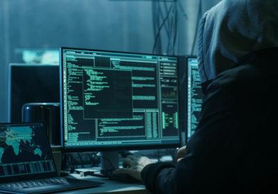 Mitnick et Zoboralski Pirate du cyber espace