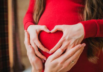 Avoir recours à une mère porteuse : bonne ou mauvaise idée ?